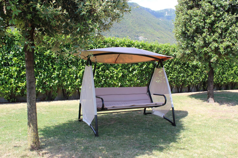 Dondolo da giardino bardolino 4 posti comodi in metallo for Dondolo da giardino usato