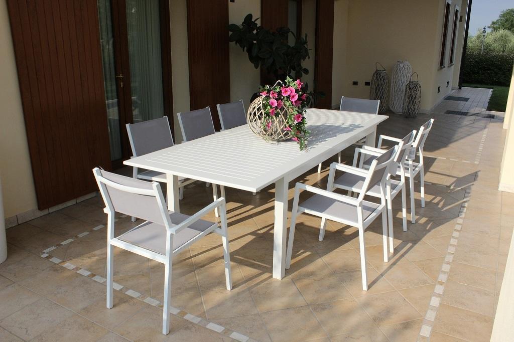Tavoli Impilabili Per Esterno.Tavolo Da Giardino In Alluminio Bianco Cubano Allungabile Misura