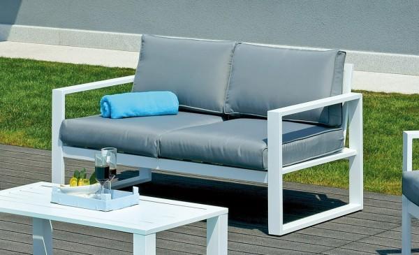 Il set fortaleza perfetto per arredare in stile moderno ed essenziale lo spazio esterno - Divano da giardino ...