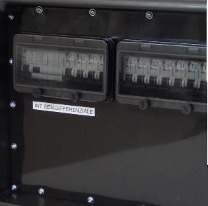 Quadro Elettrico 63A Trifase impilabile portatile in cassa chiusa 2/11F