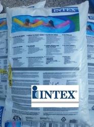 Sacco di sabbia di vetro INTEX 29058 da 25 Kg ideale per pompe filtro a sabbia per piscine