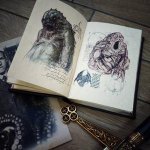 Necronomicon - Il libro della mitologia di Cthulhu, di H.P. Lovecraft - illustrazioni di François Launet - Fatto a mano