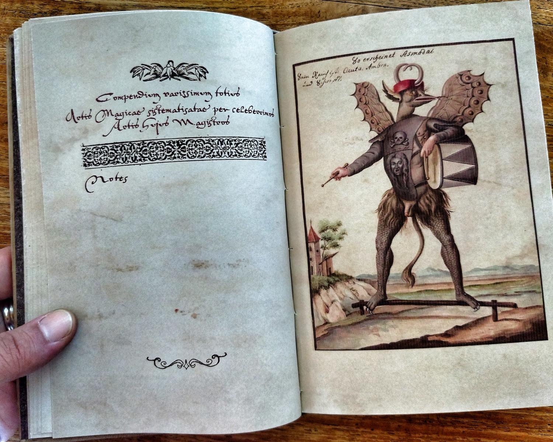 COMPENDIUM RARISSIMUM TOTIUS ARTIS MAGICAE SISTEMATISATAE PER CELEBERRIMOS ARTIS