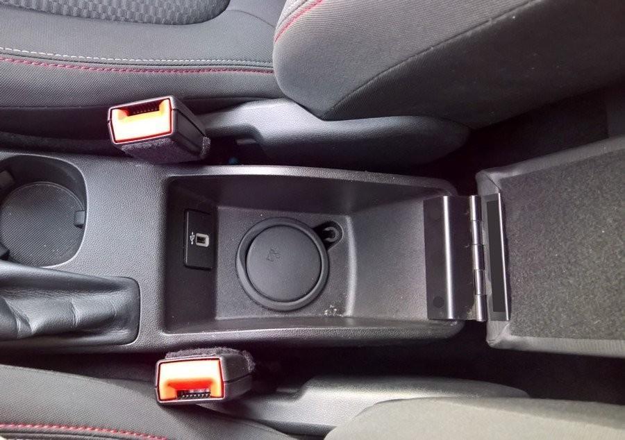 Bracciolo ELEGANT per Ford Fiesta MK7 (2018>)