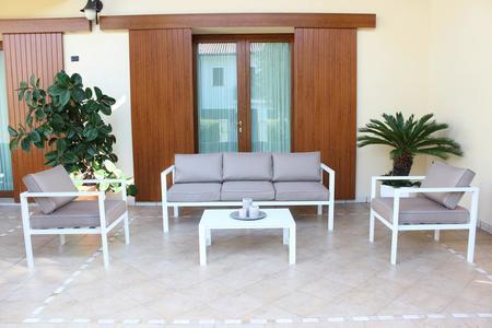 Salotto da giardino in alluminio AVANANAS divano 3 posti CM 184 2 POLTRONE colore BIANCO