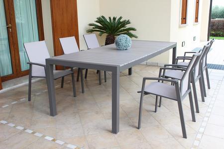Tavolo da giardino allungabile WAIKIKIS in alluminio TAUPE cm 162/242  x 100 x 74 h piano polywood
