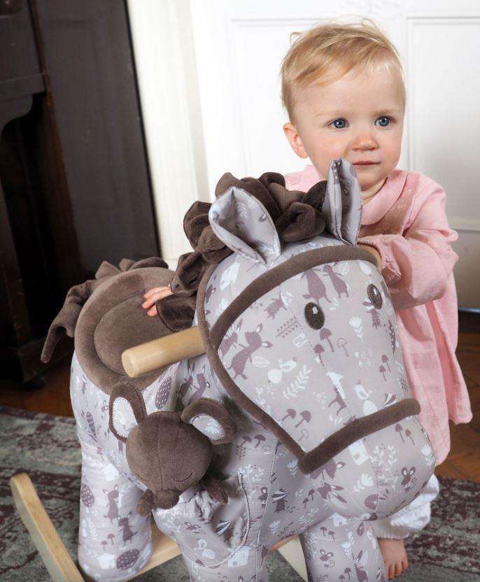 Cavallo a Dondolo in Tessuto Biscuit & Skip Rocking Horse da 12 Mesi con pupazzetto di Little Bird Told Me