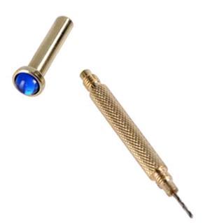 Trafora unghie per piercing