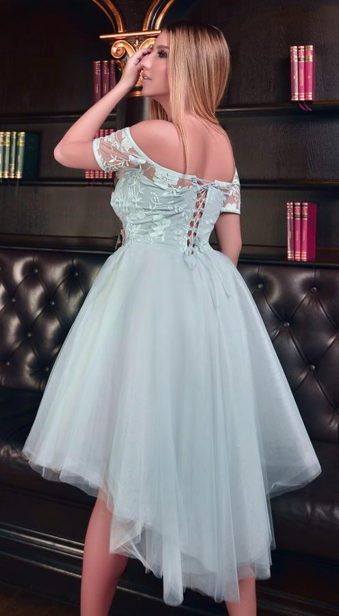 0589 SHORT MULTILAYER DRESS IN PEARL TULLE WITH BACK TAIL
