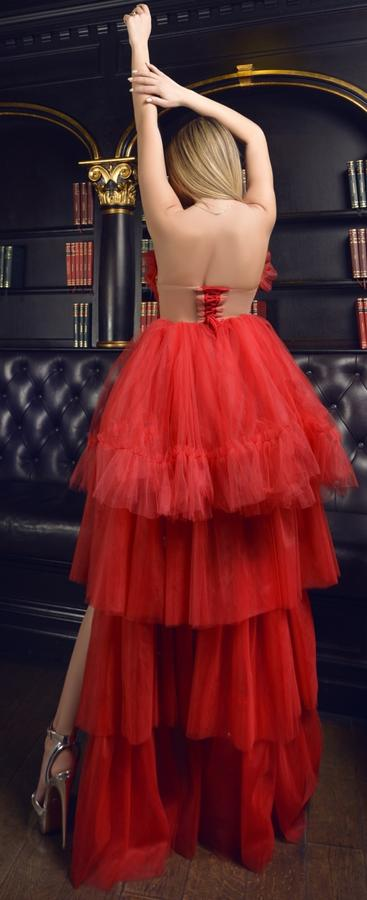 0590 RED MULTI-LAYER DRESS IN SHORT TULLE IN FRONT WITH TAIL BEHIND