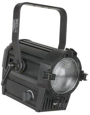 SHOWTEC - PERFORMER 1000 LED MKII - 3200K, 12-70 gradi