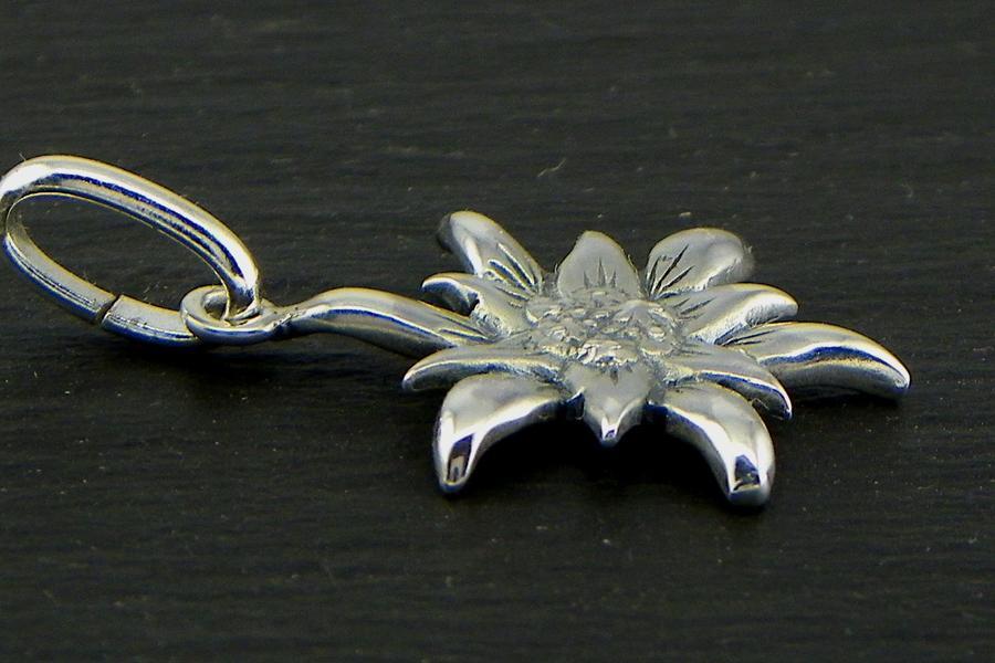 Edelweiss Ciondolo in Argento brunito