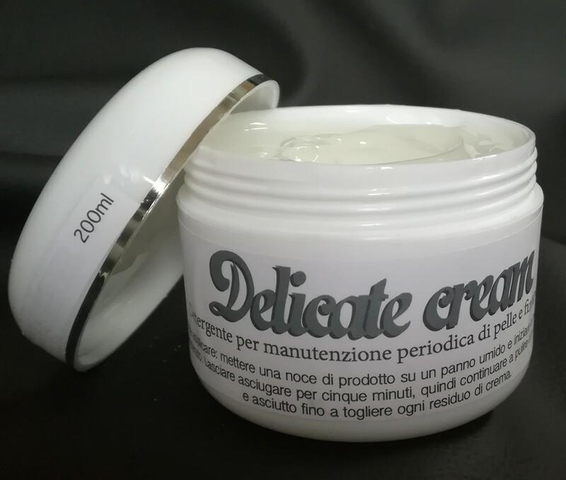 Delicate Cream - Zarte Sahne - Reinigungs und Pflegecreme für Leder