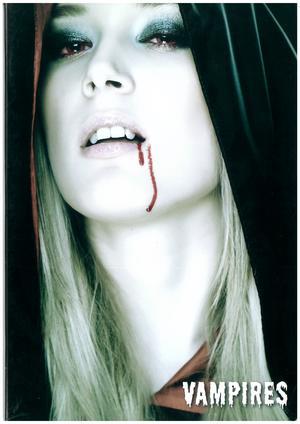 "QUADERNONE FORMATO A4 A RIGHE SENZA MARGINE - COPERTINA ""VAMPIRES"""