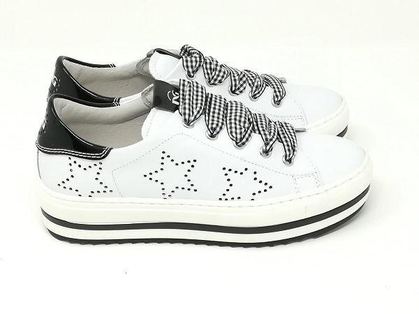 Sneaker Stelle - NERO GIARDINI Kids & Teens