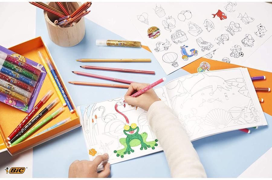 BIC My Coloring Box - Kit da colorare con 12 pennarelli / 18 matite colorate / 6 colle glitterBIC My Coloring Box - Kit da colorare con 12 pennarelli / 18 matite colorate / 6 colle glitter / 1 libro da colorare e 36 ades / 1 libro da colorare e 36 adesivi