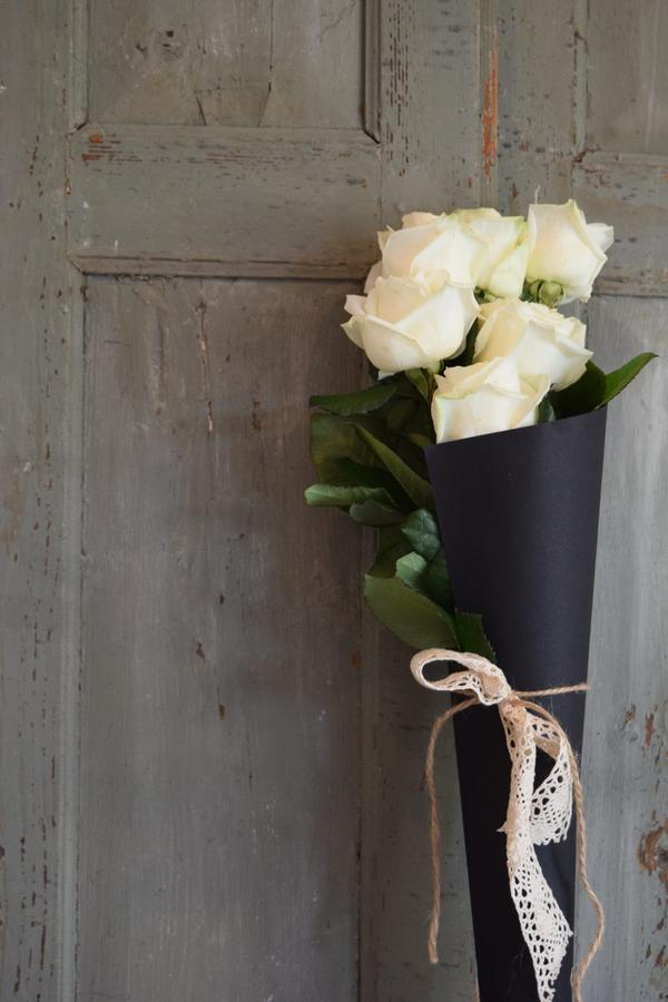 Cono rose bianche