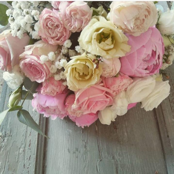 Bouquet tonalità rosa e panna