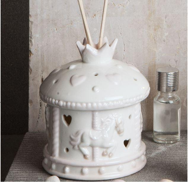 Bomboniera Claraluna  Profumatore Carosello In Ceramica Con Kit Essenza