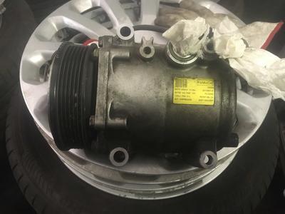 Compressore climatizzatore A/C Ford Fiesta - 8V5119D629DF