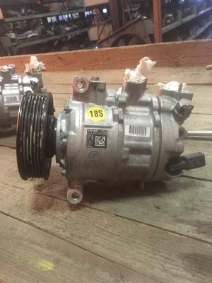 Compressore climatizzatore A/C Volkswagen, Audi, Seat, Skoda - 5Q0816803