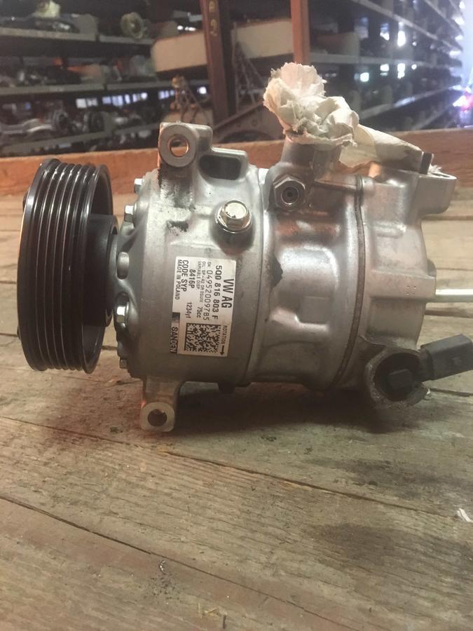 Compressore climatizzatore A/C Volkswagen, Audi, Seat, Skoda - 5Q0816803F