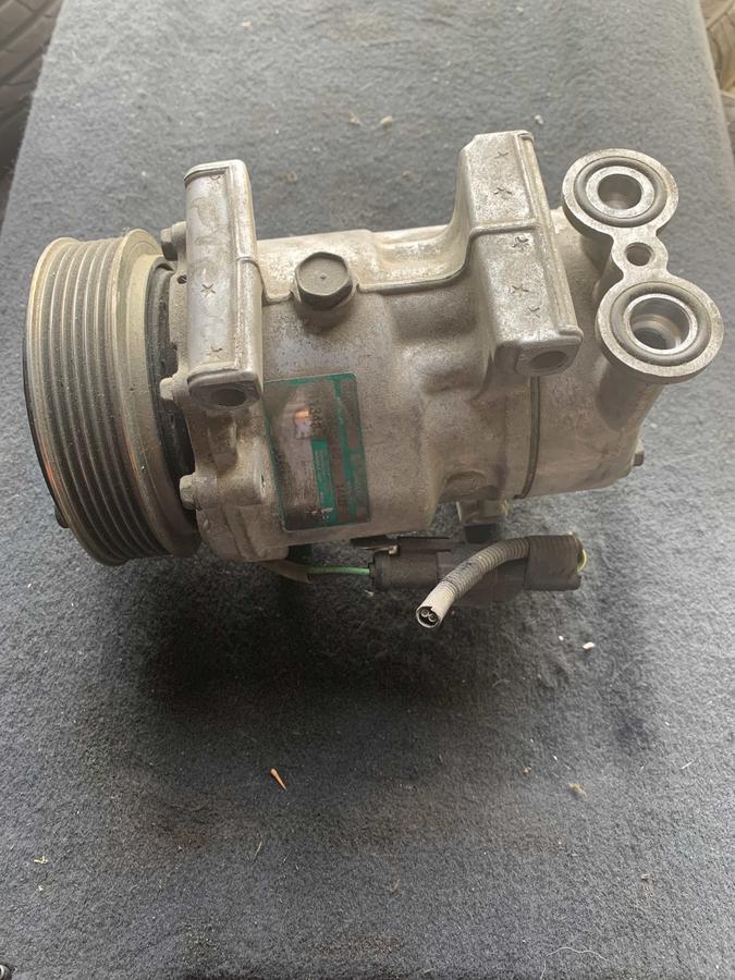 Compressore climatizzatore A/C Ford - SD6V12 1442F