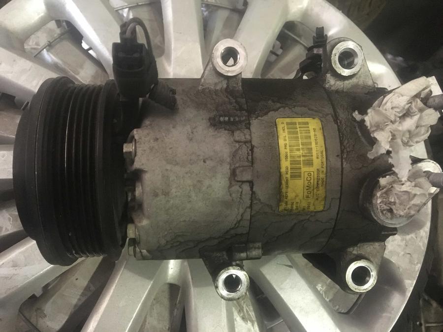 Compressore climatizzatore A/C Ford - AV1119D629AB