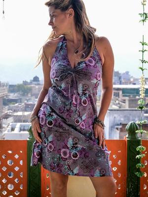 Vestido corto de mujer Medha atado al cuello - púrpura florido