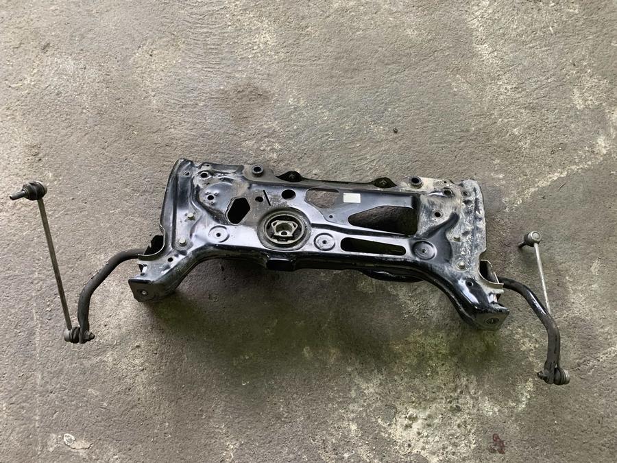 Telaio Motore in Ferro per Volkswagen Golf 7 - 3Q0199315D