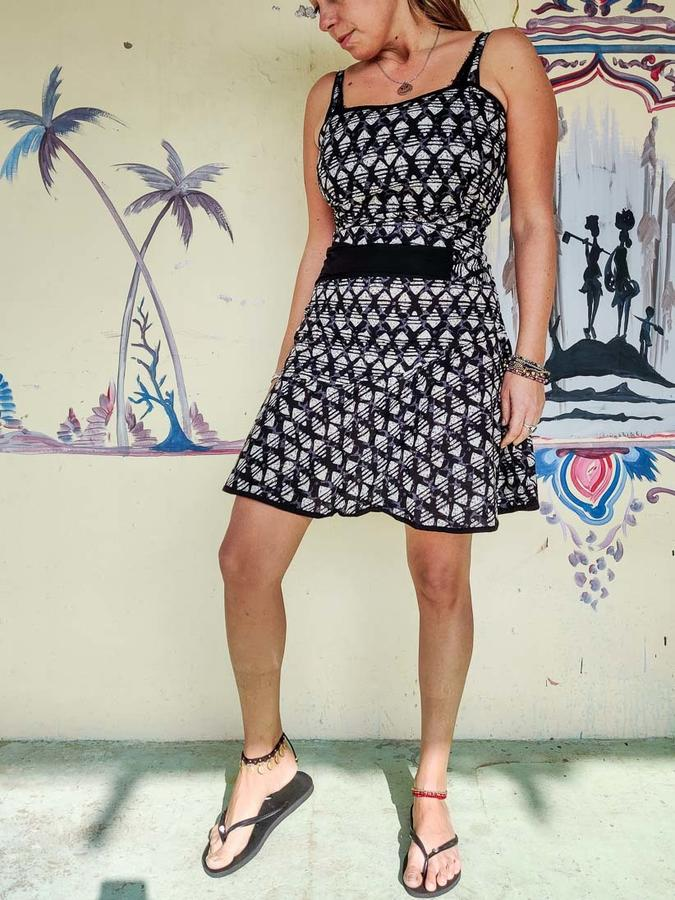 Short woman dress Sarika - black, white & gray