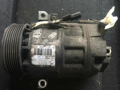 Compressore climatizzatore A/C Renault Traffic Valeo - 8200454172E