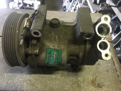 Compressore climatizzatore A/C Renault - 7700111235