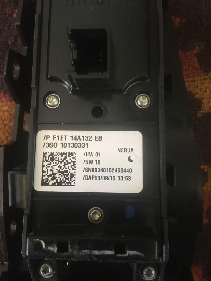 Pulsantiera Alzacristalli Porta Ford Fiesta - F1ET14A132EB