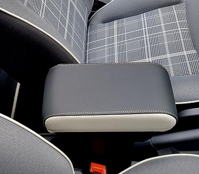 Armrest with storage for Fiat 500, 500C and 500S