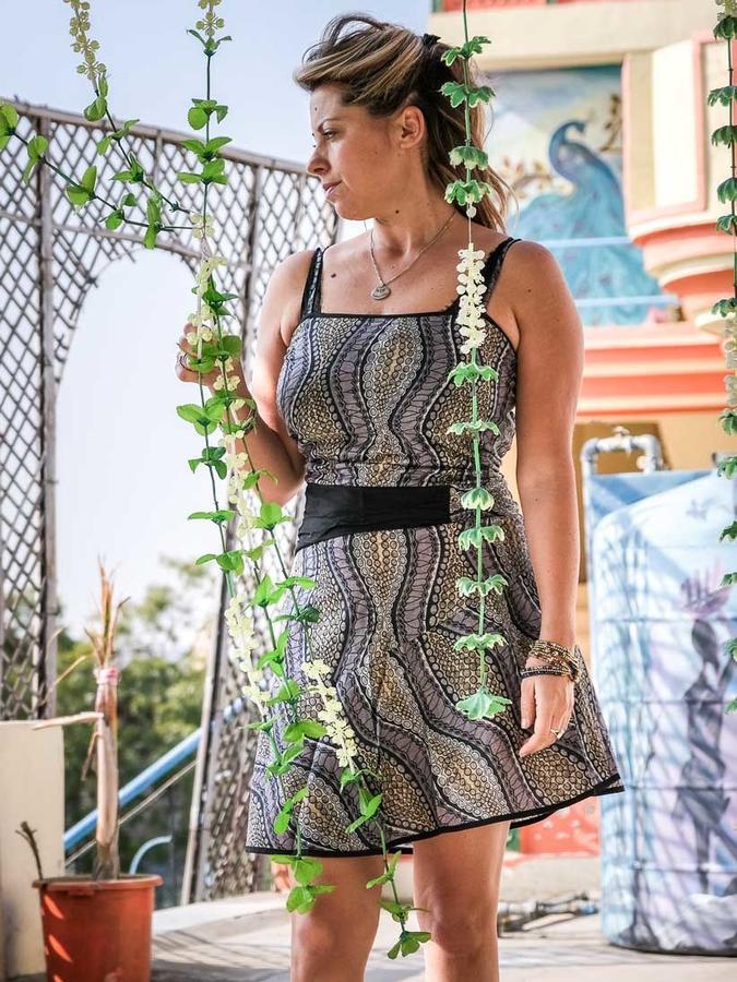 Vestido corto de mujer Sarika - negro y gris