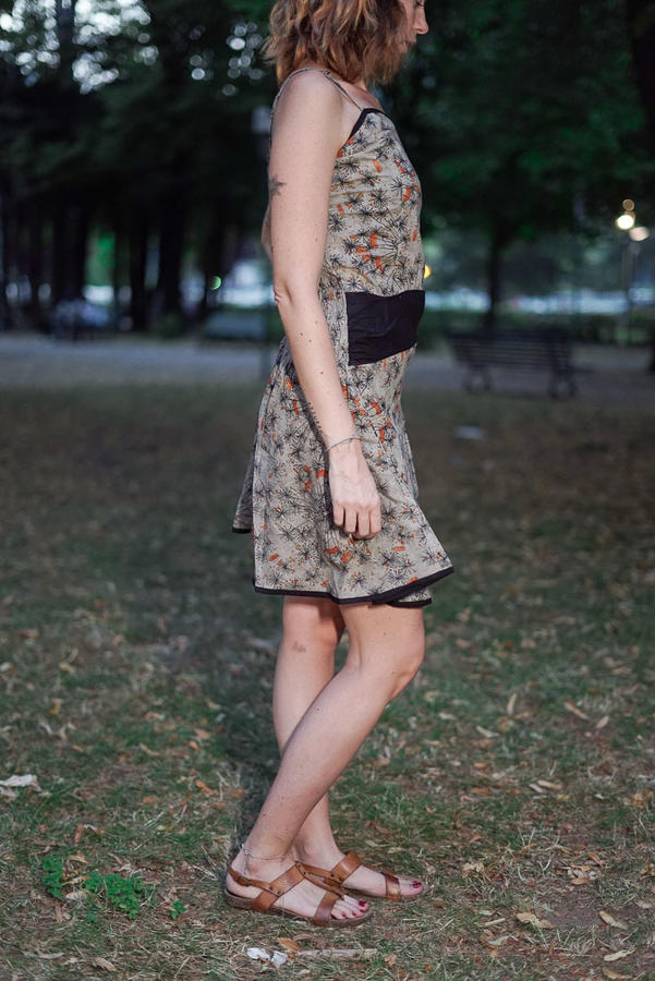 Vestido corto de mujer Sarika - gris anaranjado
