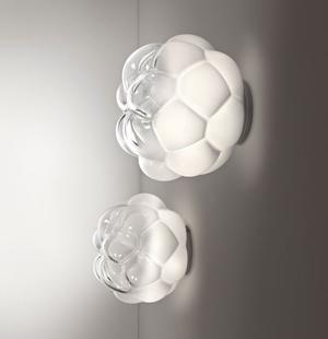Lampada da Parete/Soffitto Cloudy di Fabbian con Diffusore in Vetro Soffiato Bianco Sfumato e Strutture Metalliche in Alluminio Pressofuso - Offerta di Mondo Luce 24