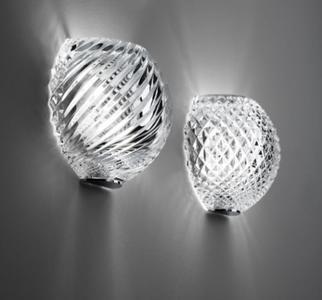 Lampada da Parete Diamond&Swirl di Fabbian con Diffusore in Cristallo Molato a Mano, Varie Finiture - Offerta di Mondo Luce 24