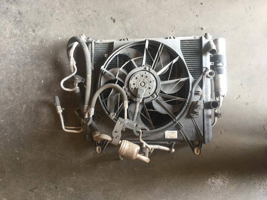 Pacco Radiatori Completo Renault Kangoo 0130303814 -  7700301278 -  861286C -  850320V 7700301171