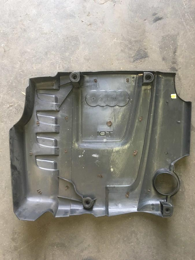 Coperchio Motore Audi A4  03L103925