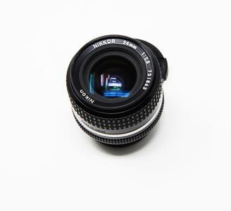 Nikon - Obiettivo Nikkor 24 mm, f/2.8