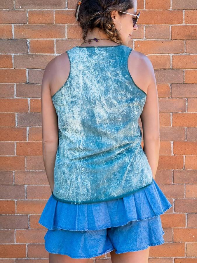 Woman tank top Ramita green stone washed with silver print - feathers