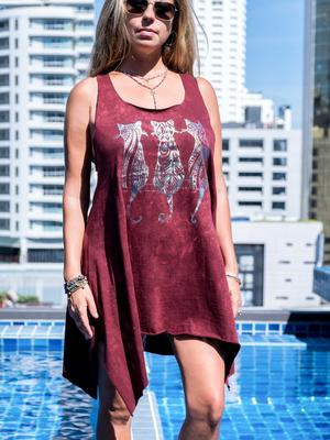 Long bordeaux tank top Chitra with silver print – cats
