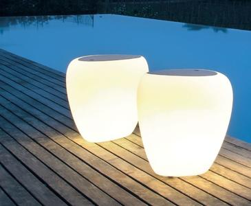 Servetto Luminoso Ios di Tonin Casa in Polietilene con Top in Plexiglass o Legno, Varie Finiture - Offerta di Mondo Luce 24