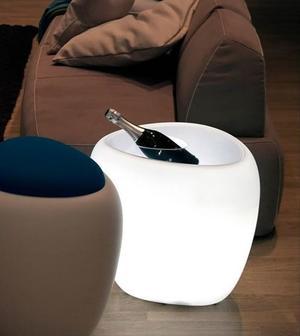 Servetto Luminoso Ios di Tonin Casa in Polietilene con Top in Plexiglass e Portabottiglie, Varie Finiture - Offerta di Mondo Luce 24
