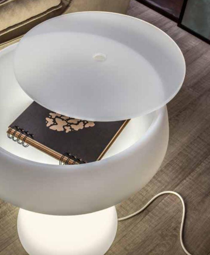 Servetto Luminoso Maki di Tonin Casa in Polietilene con Top in Plexiglass o Legno, Varie Finiture - Offerta di Mondo Luce 24