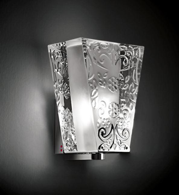 Lampada da Parete Vicky di Fabbian con Diffusore in Cristallo e Finiture in Cromo Lucido - Offerta di Mondo Luce 24