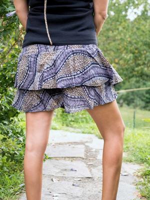 Short pant-skirt with ruffles Alka - gray black