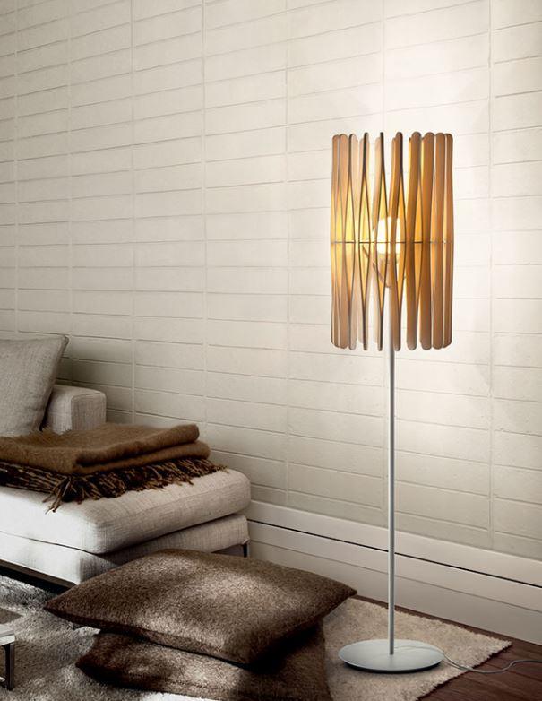 Lampada da Terra Stick di Fabbian con Diffusore Cilindrico in Legno Ayous e Struttura in Metallo - Offerta di Mondo Luce 24